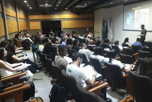 O simpósio de Psiquiatria, promovido na última sexta-feira (29), no anfiteatro I do Mário Palmério Hospita [...]