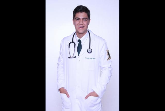 O recém-formado do curso de Medicina da Universidade de Uberaba (Uniube), Matheus Pontes Meirelles, de 24 anos, foi aprov [...]